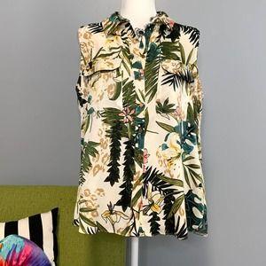 F&F Hawaiian Floral Leaf Sleeveless Button Top